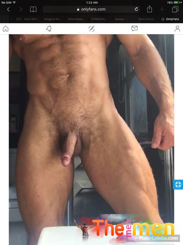 Liam Jolley Naked (4 Photos)